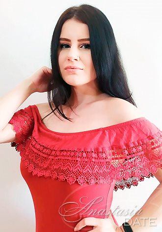 Gorgeous single women: Russian lady model Raisa from Vinnytsia